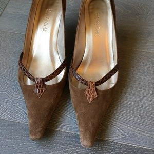 Sexy Italian suede pumps with snakeskin trim
